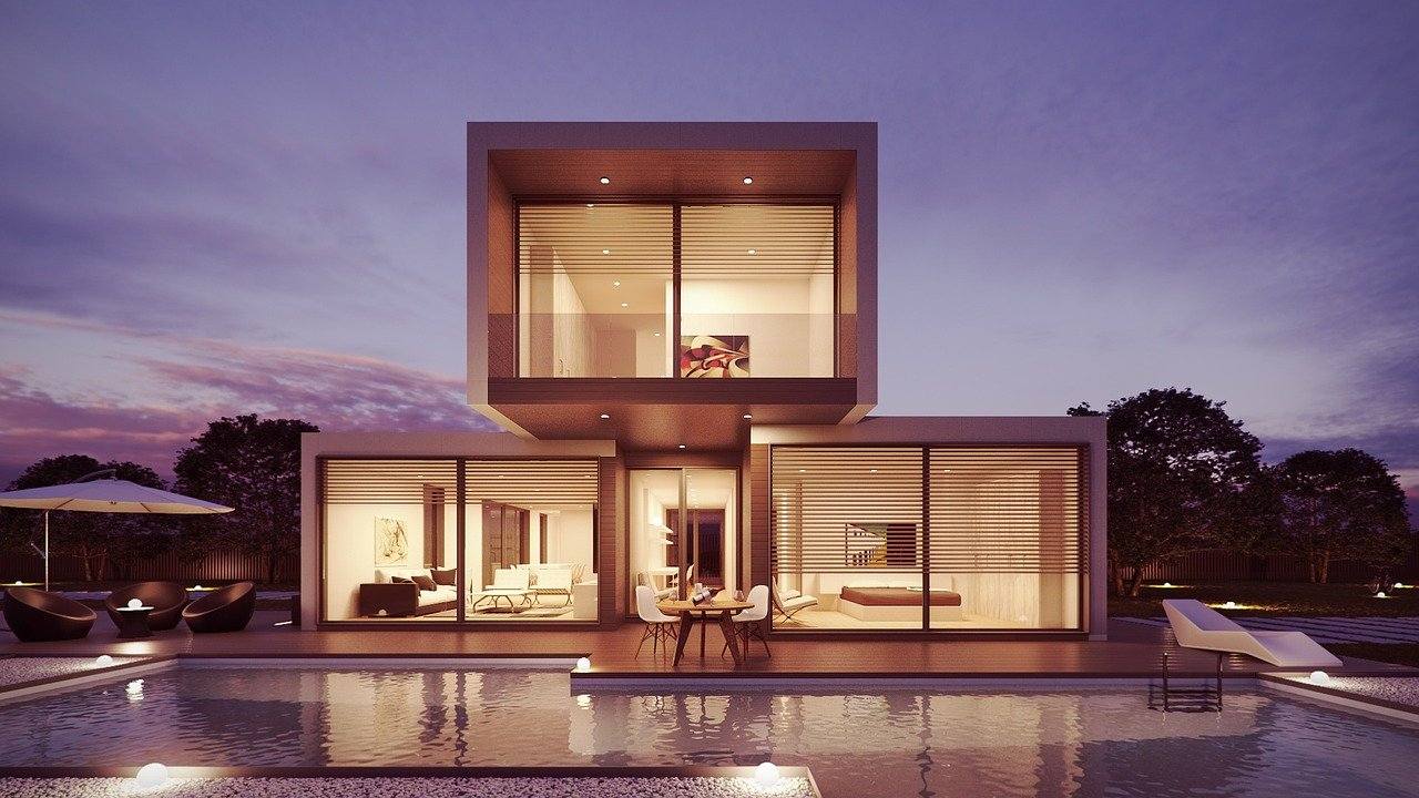 What are the characteristics of a luxury building?